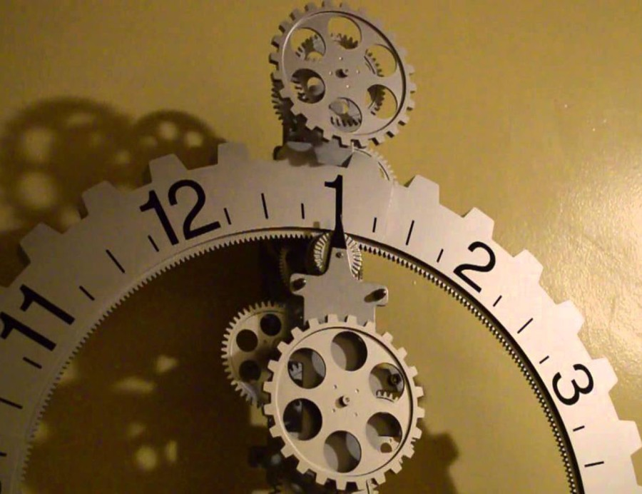 Hands-Free-Gear-Clock-–-Wall-Clock-With-No-Hands-4.jpg